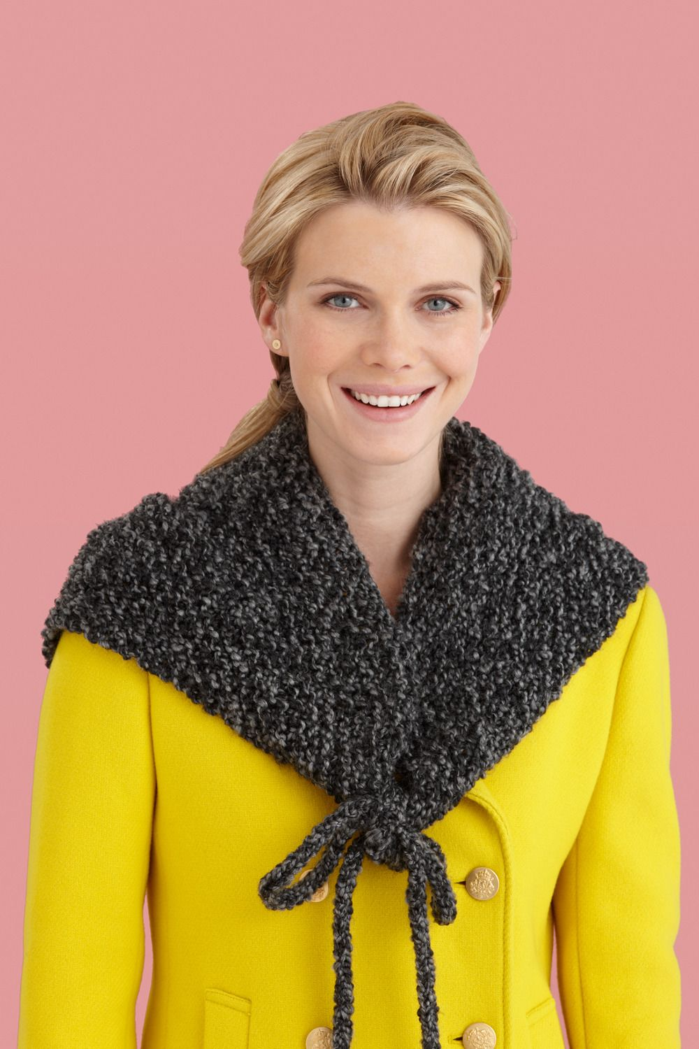 Fog Bank Triangle Wrap in Lion Brand Homespun - L20002. Discover ...
