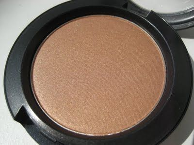 mac trace gold blusher  how to apply blusher makeup