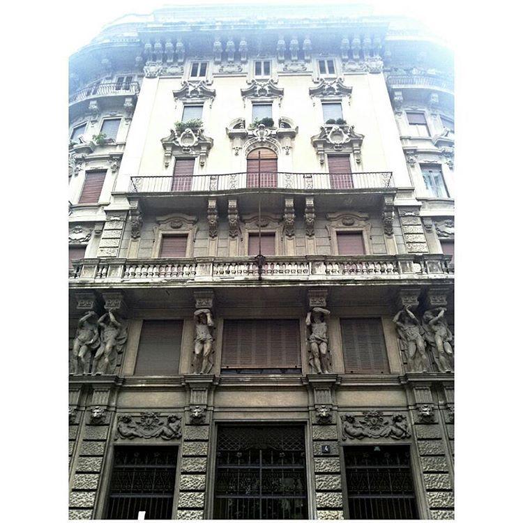 Sapevate che oltre al Quadrilatero della Moda a Milano c'è anche il Quadrilatero del Silenzio?   #quadrilaterodelsilenzio #milanotoday #milano #igersmilano #instaMilano #milanodaclick #milanodavedere #milanstagram #milano_forever #loves_liberty #liberty #libertymilano #piazzaeleonoraduse #milan #stileliberty #art #arteitaliana #arte #volgomilano #loves_united_milano #milanosegreta #city_of_milan #citysecretsmilano #loves_milano #milano_in #milano_go by mela_renetta