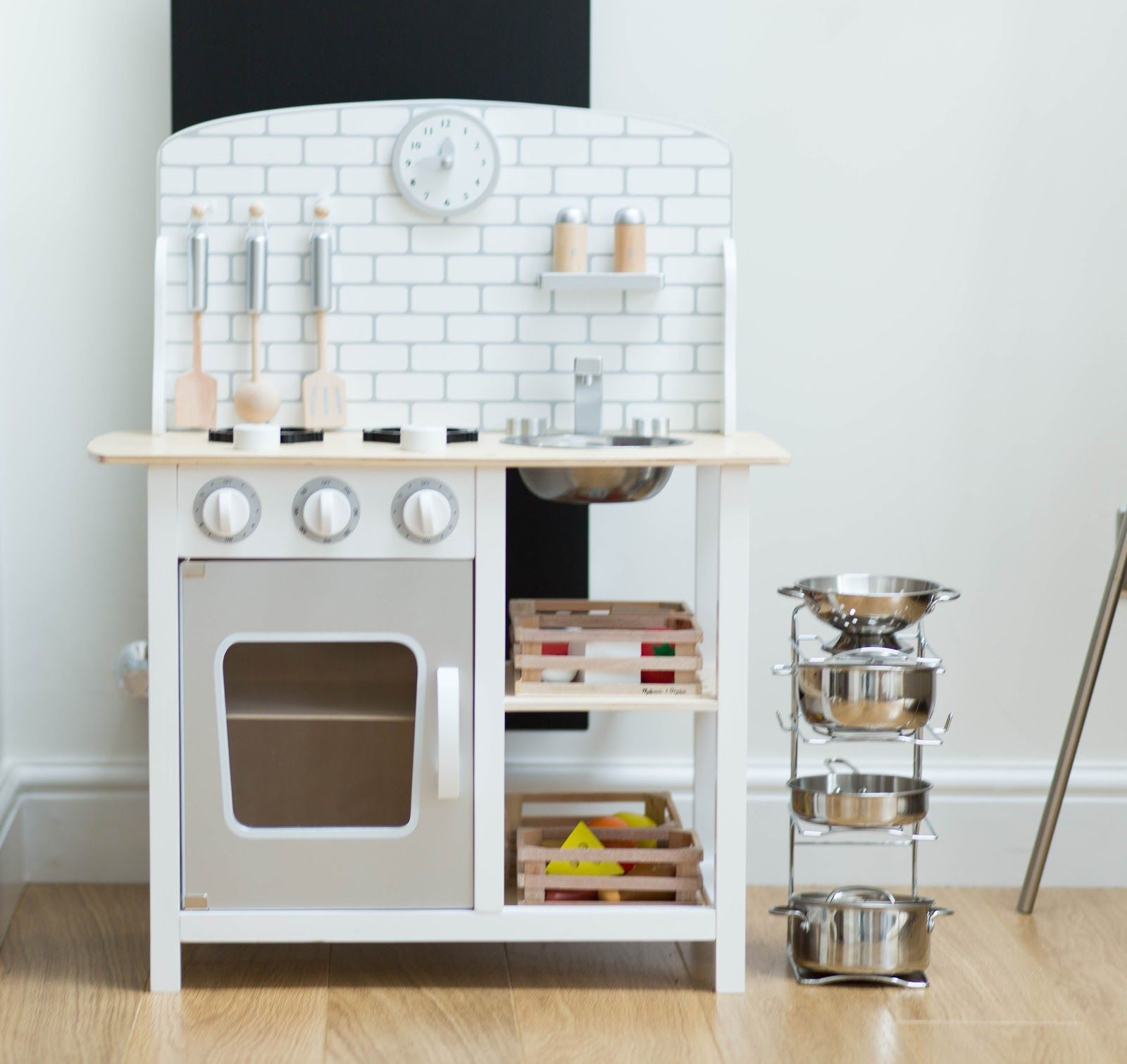 Sugar Cube Play Kitchen | Kids Space | Pinterest | Playrooms ...