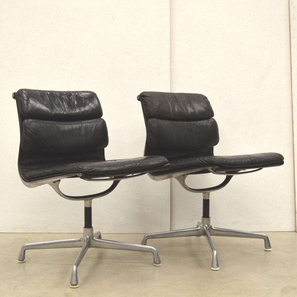 Magnificent For Sale Pair Of Ea206 Soft Pad Office Chairs By Charles Uwap Interior Chair Design Uwaporg