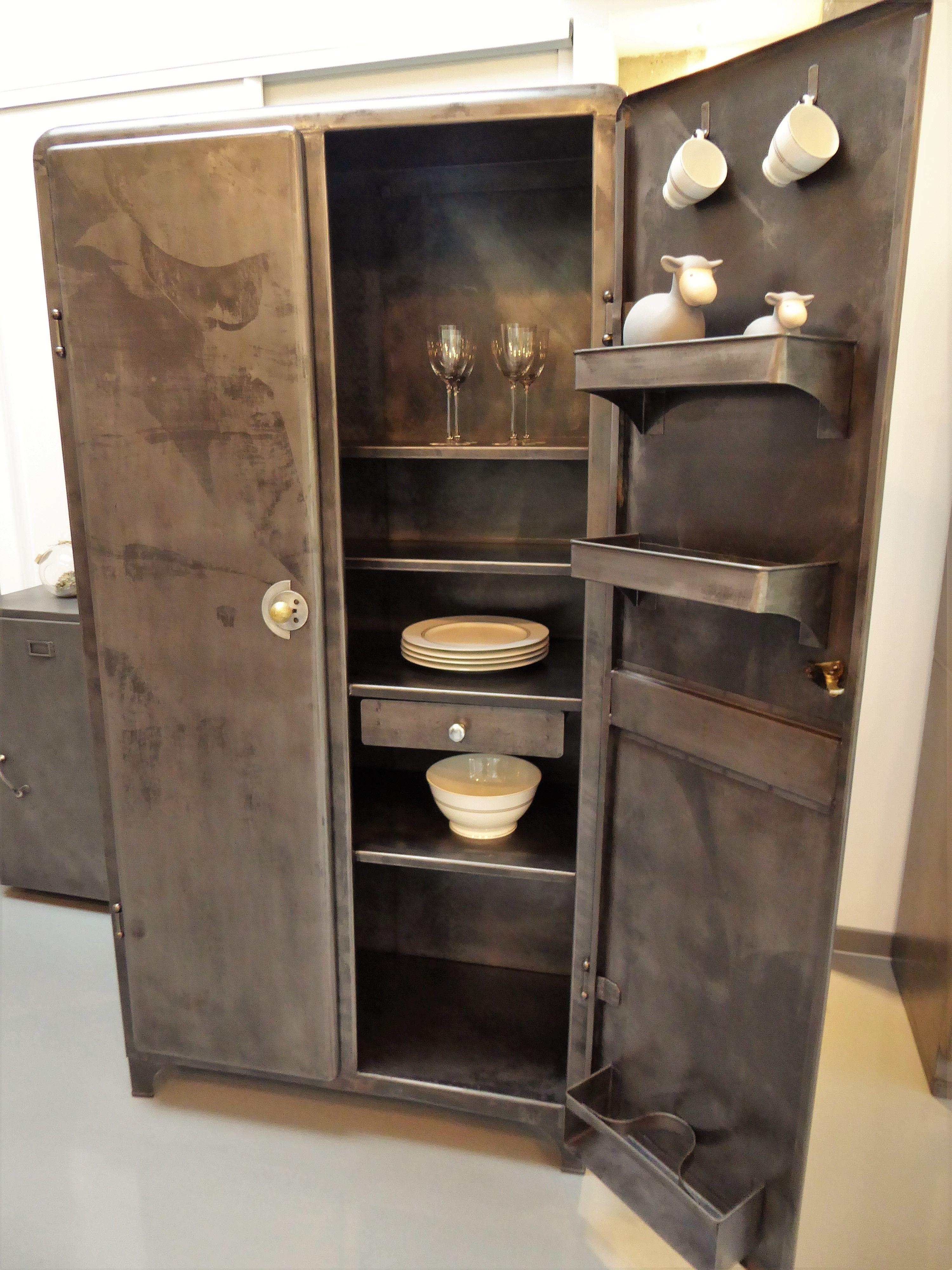 Armoire industrielle m tal an 50 39 vous propose cette armoire de cuisine - Armoire industrielle ancienne ...