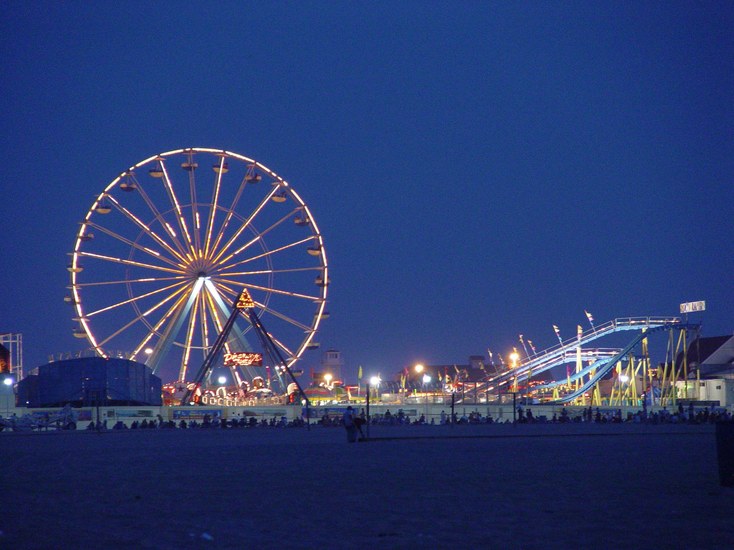 the ocean city, md boardwalk at night #ocmd | fun in ocean city