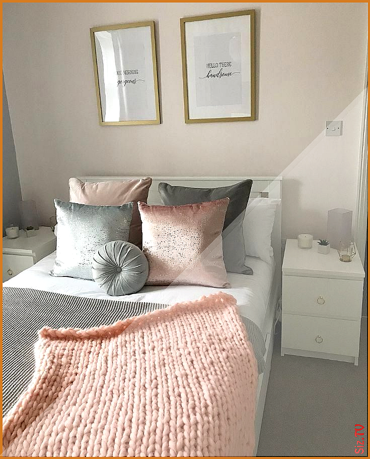 Pink Gold And Grey Bedroom White And Gold Bedroom Tumblr Room Color Combinatio Pink Gold Pink And White Bedroom Furniture White Girls Rooms Pink Bedrooms
