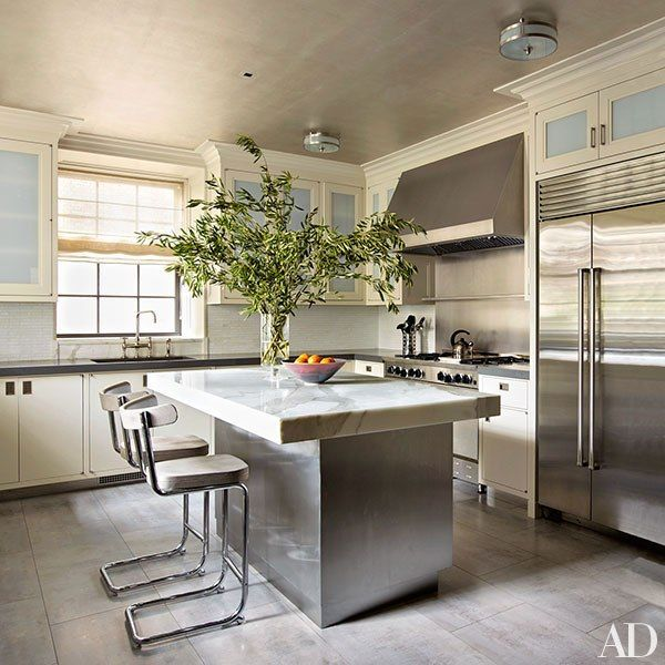 Manhattan Apartment Kitchen Design: Michael S. Smith And Oscar Shamamian Devised This Family