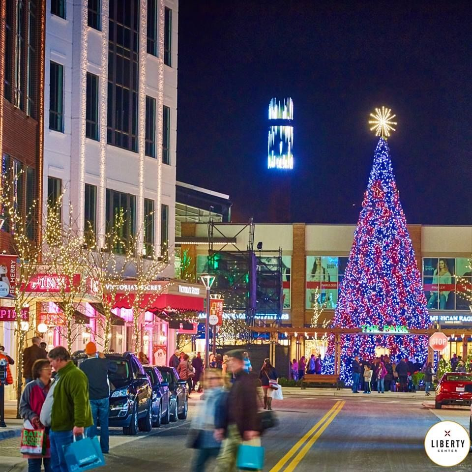 Welcome To Crystal Valley Commercial Christmas Decorations Commercial Christmas Decorations Festival Lights Tree