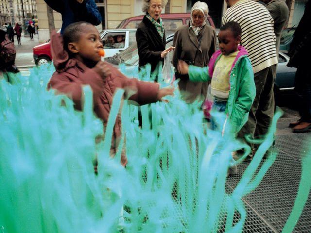 Herbes folles  Paris / 2001  ENCORE HEUREUX