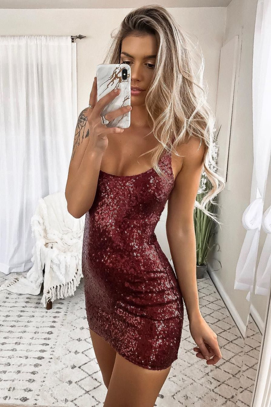 Sheath spaghetti straps short dark red sequined cocktail dress in