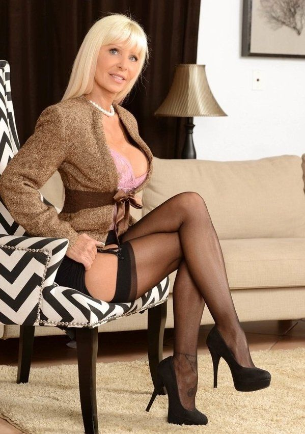 Mature Milfs In Stockings 8