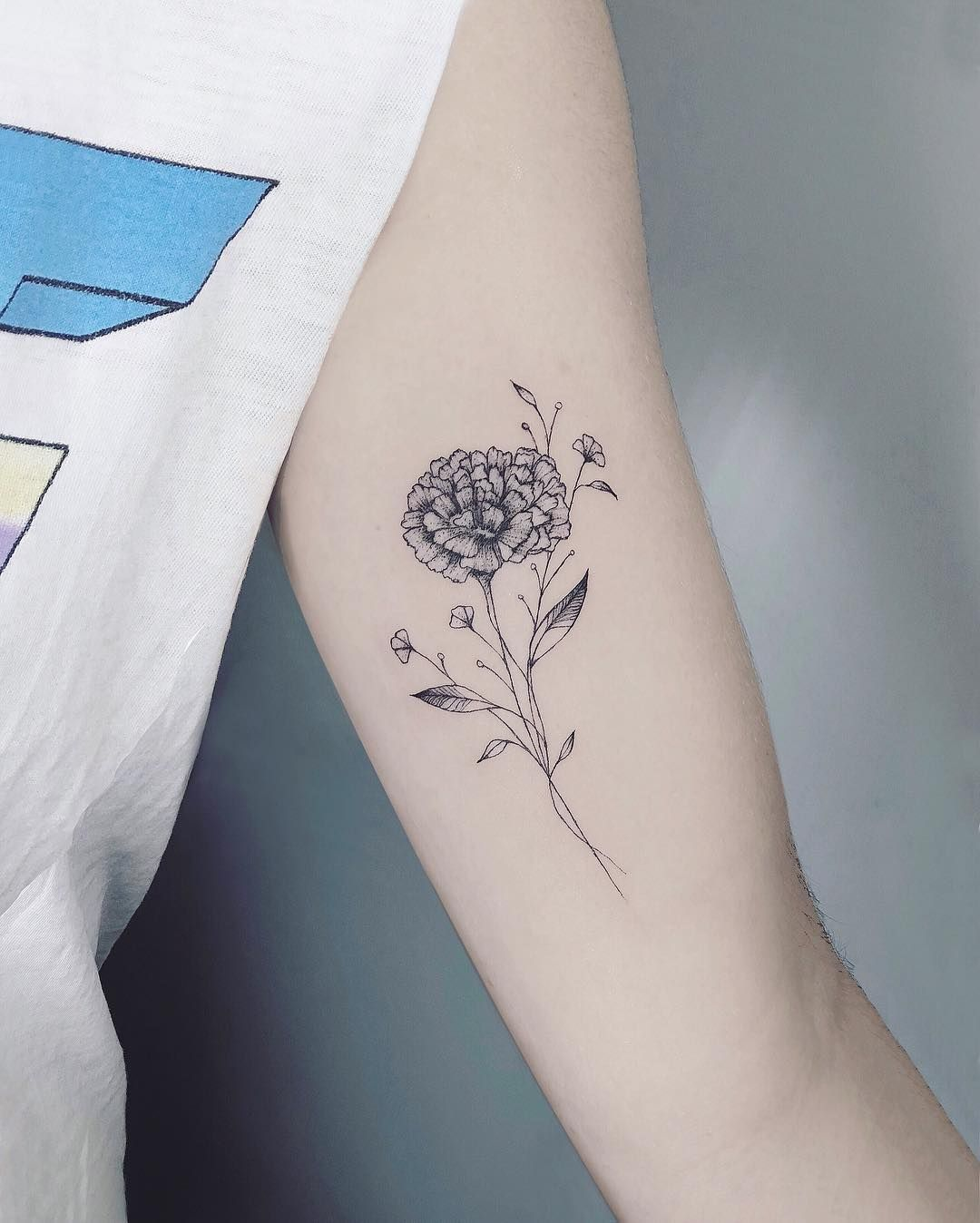 Forget About Your Zodiac Sign — These Gorgeous Birth Flower Tattoos Are So Much Better