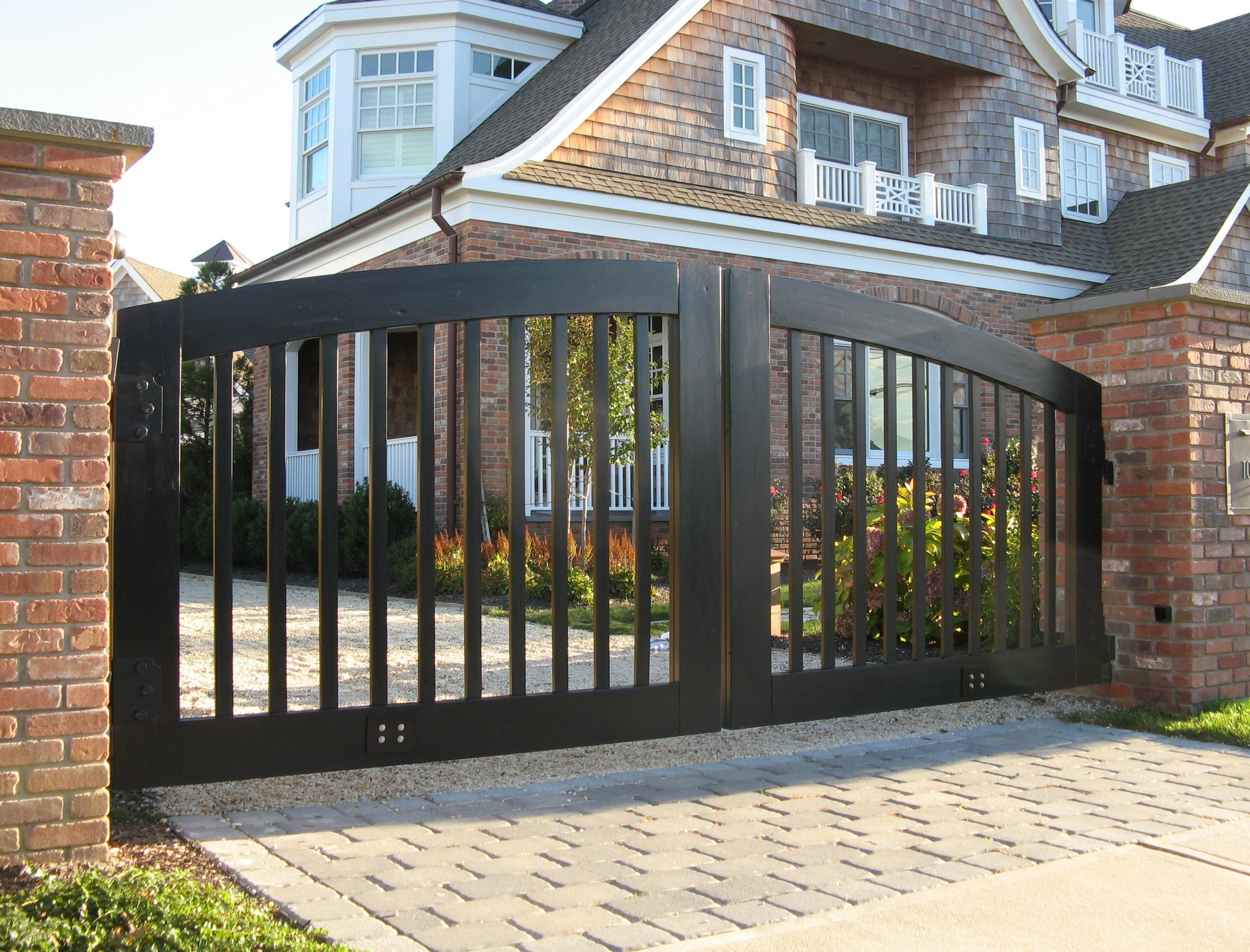 Witching Black Color Wooden Convex Shape Gate And Combine With White Color  Bricks Stone Driveway Also Bricks Fences With Wooden Gate Manufacturers  Plus Wood ...