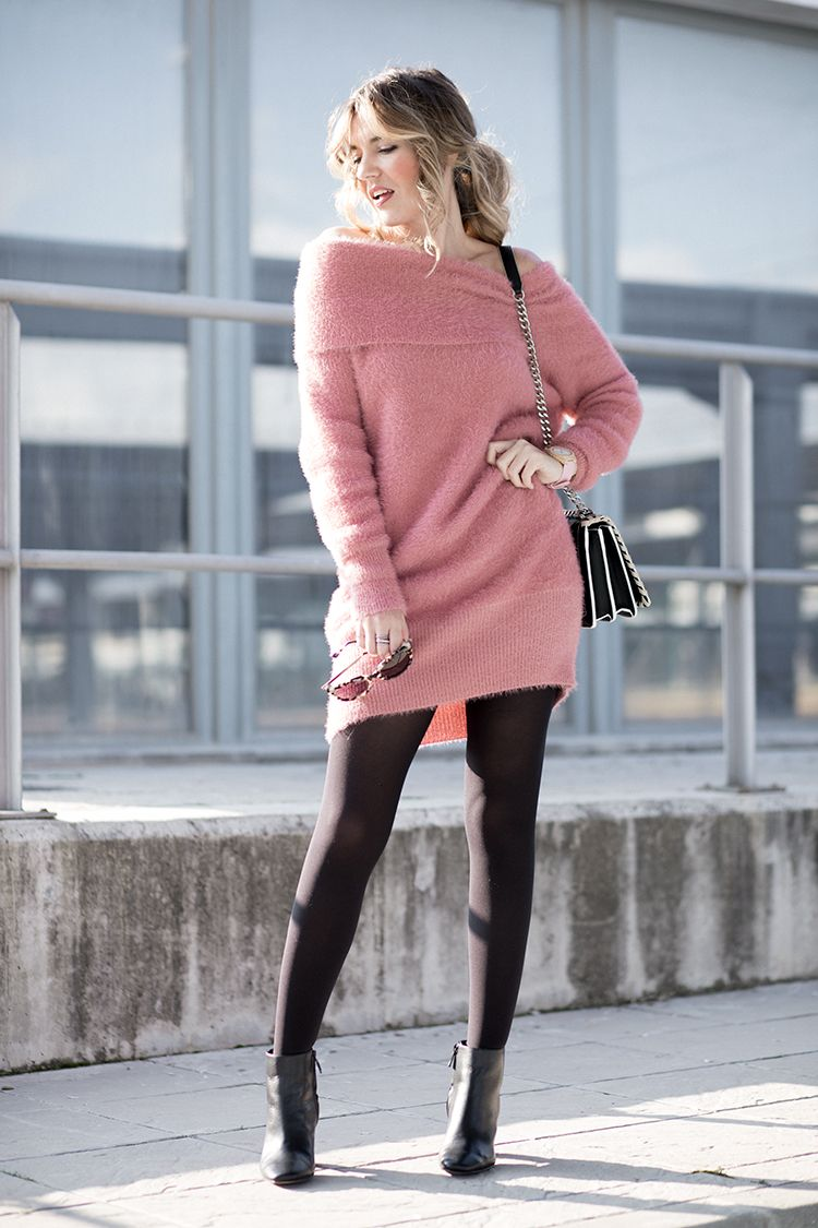 5b4b890ec55d PINK SWEATER – Mi Aventura Con La Moda. Pink off the shoulder sweater-dress+ black tights+black ankle boots+black chain shoulder bag with white ...