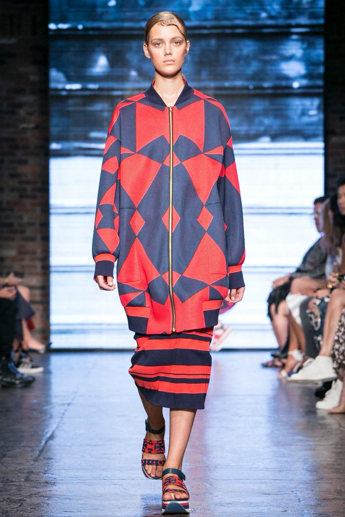 A look from the DKNY Spring 2015 RTW collection.