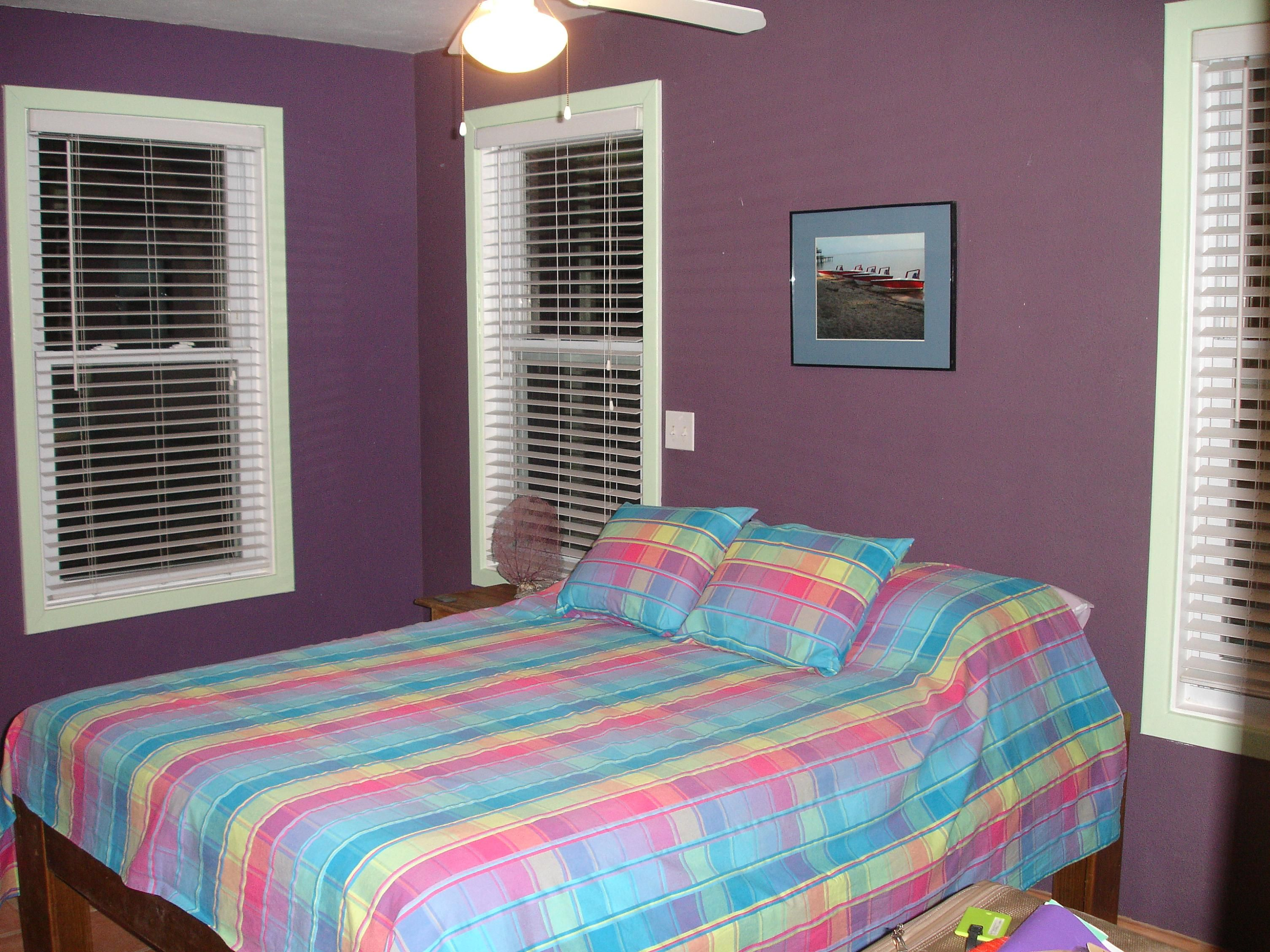 what is the best color for bedroom with romantis wall purple