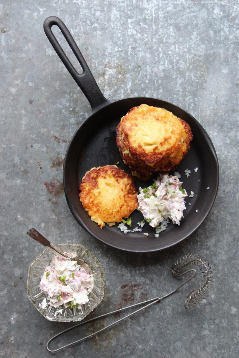 Perunablinit // Potato Pancakes Food & Style Sari Kalliomäki, Tyrniä ja tyrskyjä Photo Sari Kalliomäki www.maku.fi