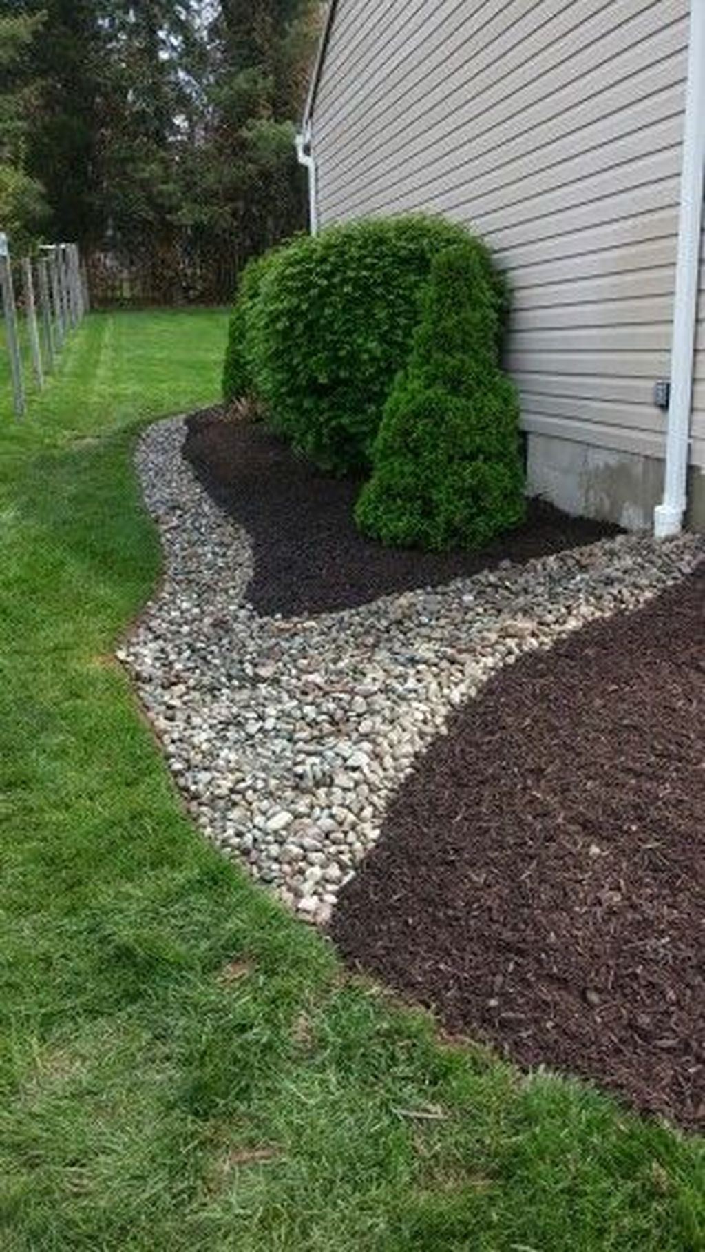 48 Outstanding River Rocks Design Ideas For Front Yard ...