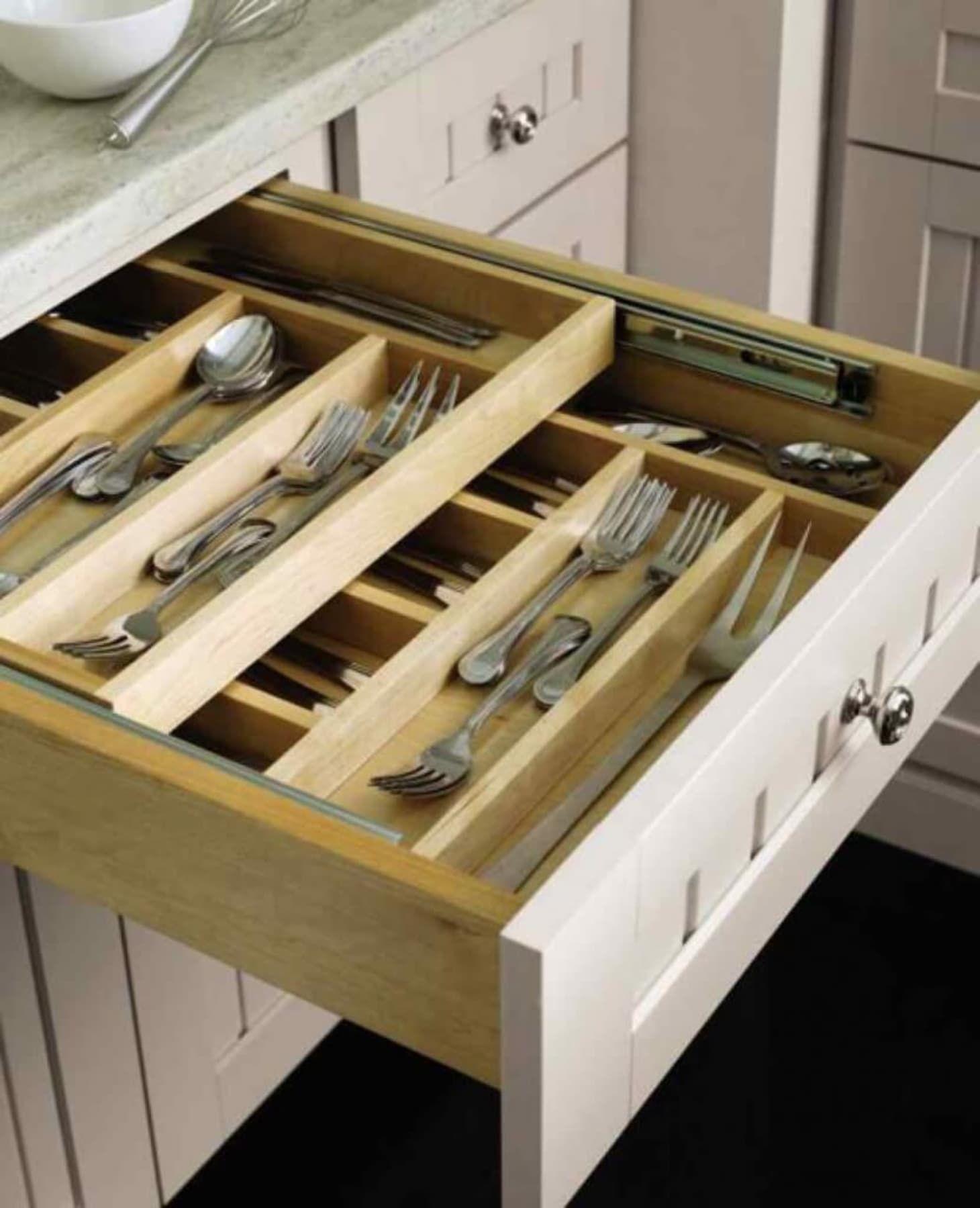 Smart Storage: Totally Genius Ways to Customize Kitchen Cabinets #smartstorage