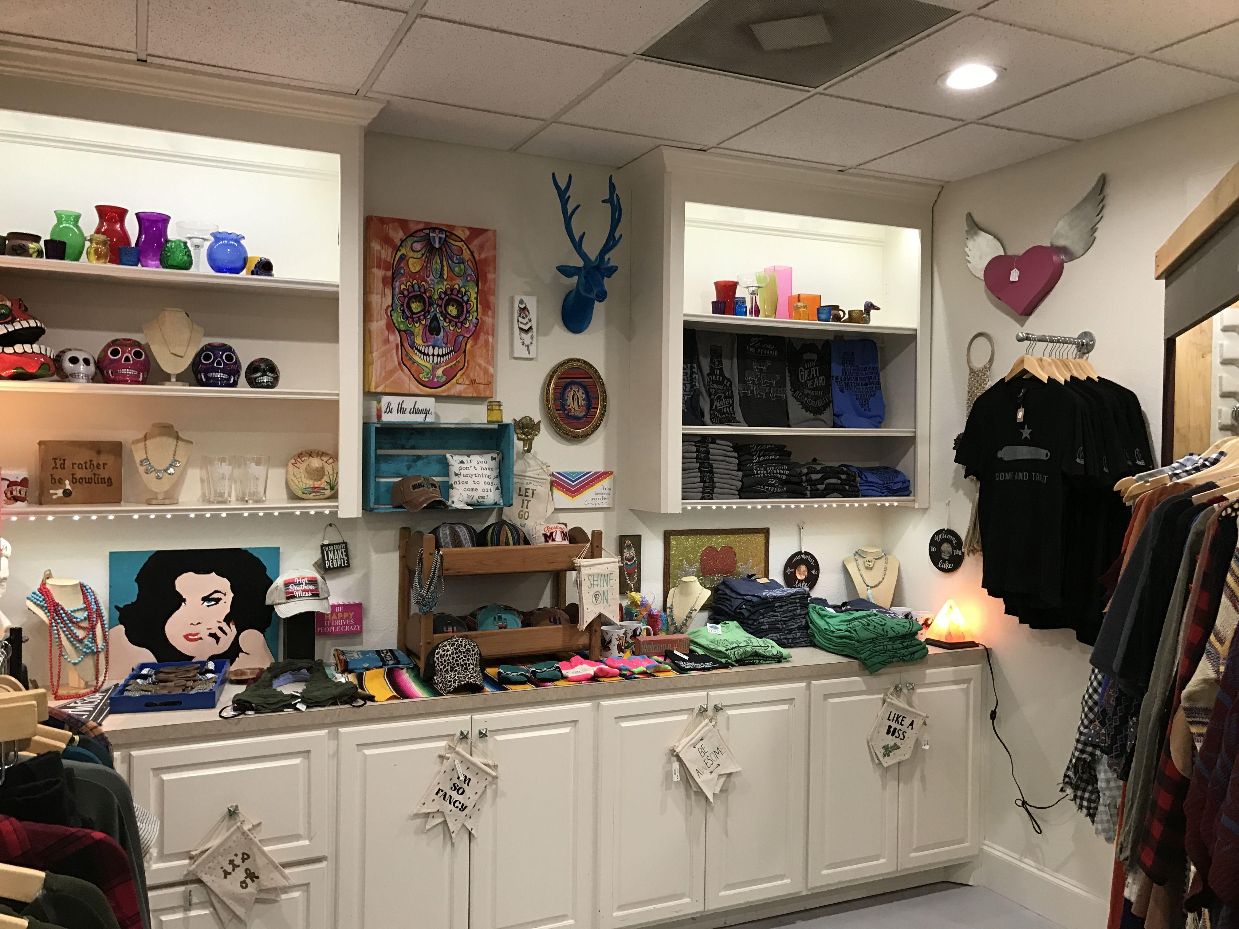 Merchandising, visual merchandising, fiesta theme, faux taxidermy, sugar skull, day of the dead, fiesta, boutique merchandising, boutique wall