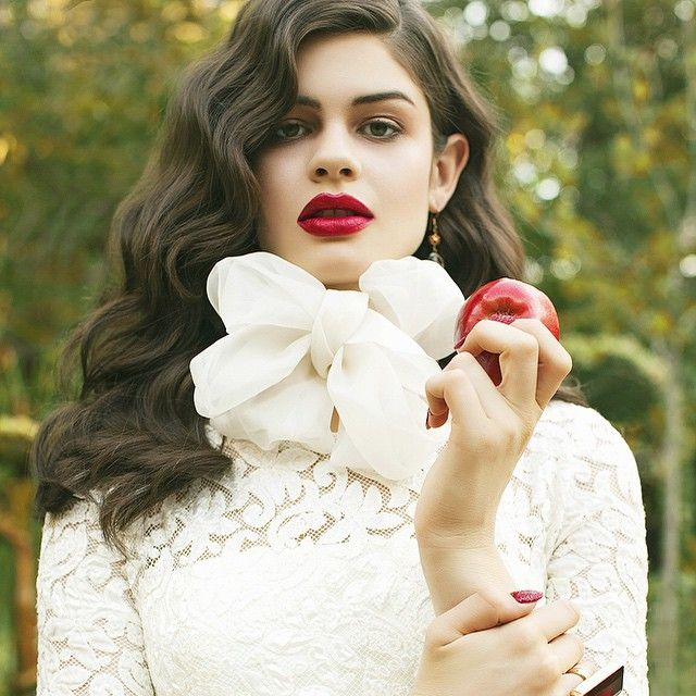 forbidden fruit #snowwhite #style