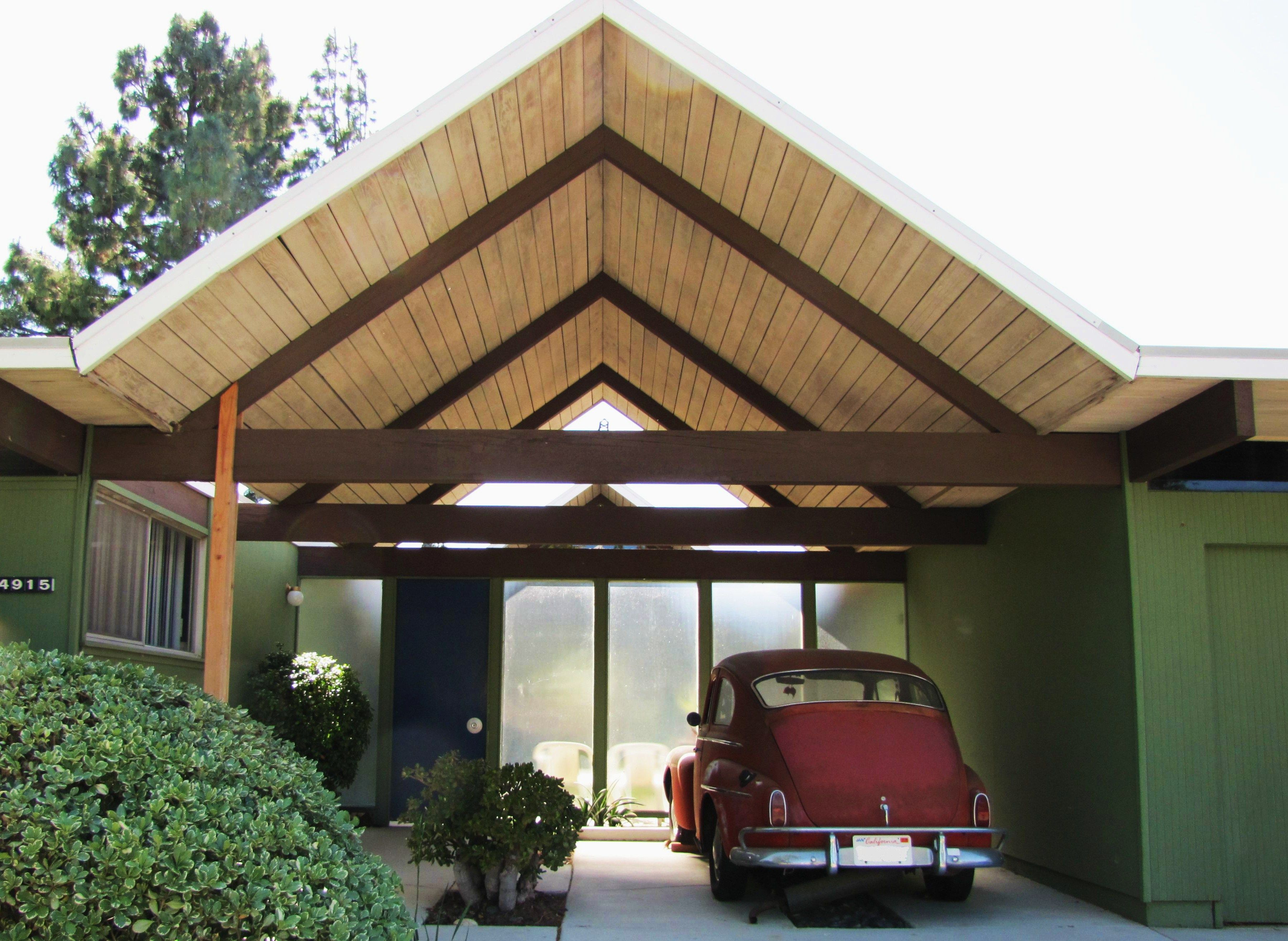 modern bungalow   Mid century exterior, Modern carport ...