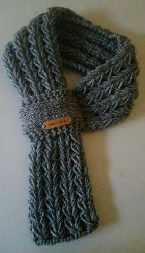 Ajustable niños o adultos a mano bufanda de punto por QuiltNCrochet ...