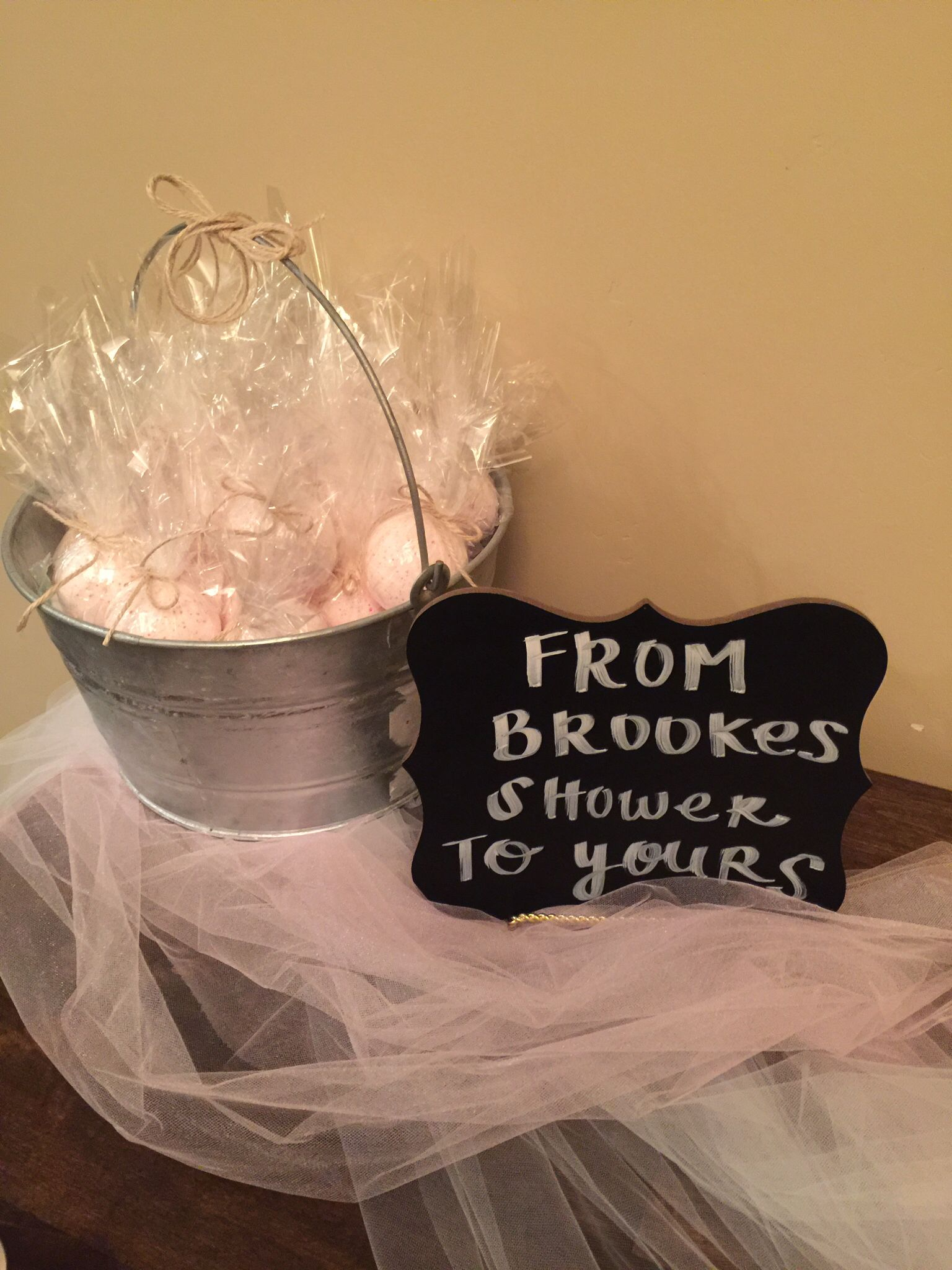 gifts to give for bridal shower games%0A Bridal shower party favor bath bombs