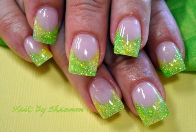 lemon-lime acrylic glitter tips