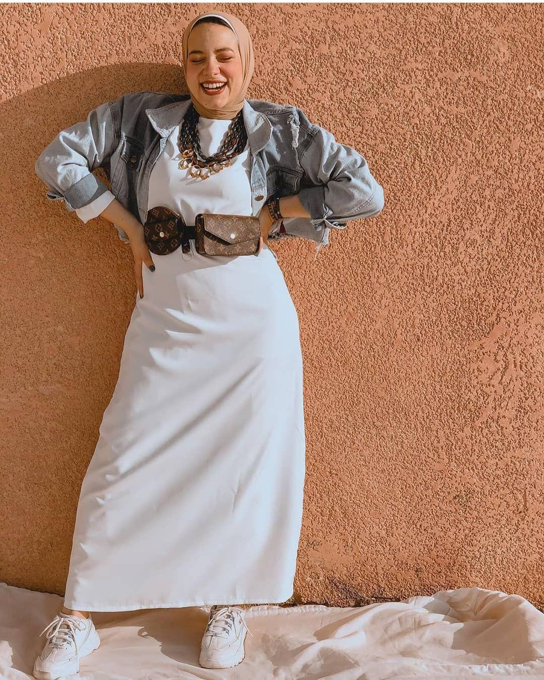 Dorktya Boutique On Instagram طرق مختلفه للبيزك دريس الوان جديده و القديمه كلها موجوده اساسيات كل دولاب ولااازم يكون موجود م Fashion Hijab Fashion Maxi Skirt