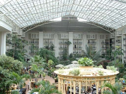 Gaylord Opryland Hotel: Nashville, Tennessee  Cascade gardens rotating bar Awesome