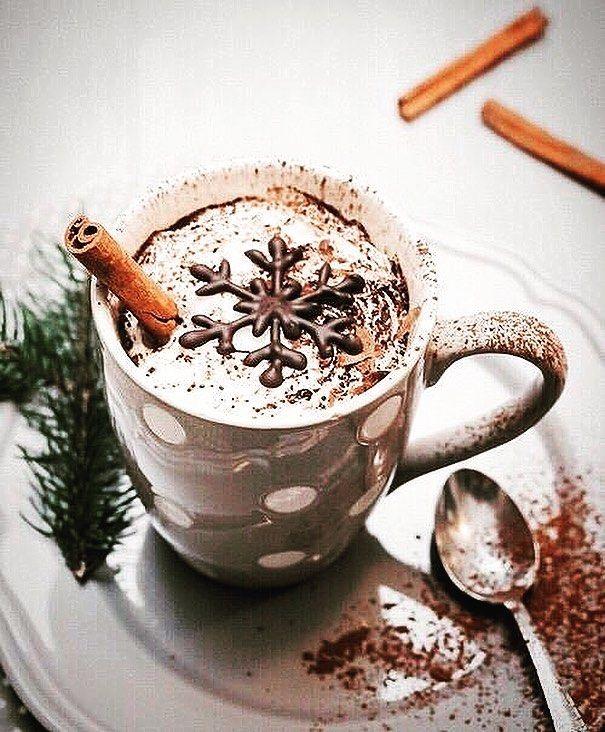 ❤️ • #cozy #cozylife #cozyseasons #autumn #fall #winter #hotchocolate #festive #christmas #christmastime