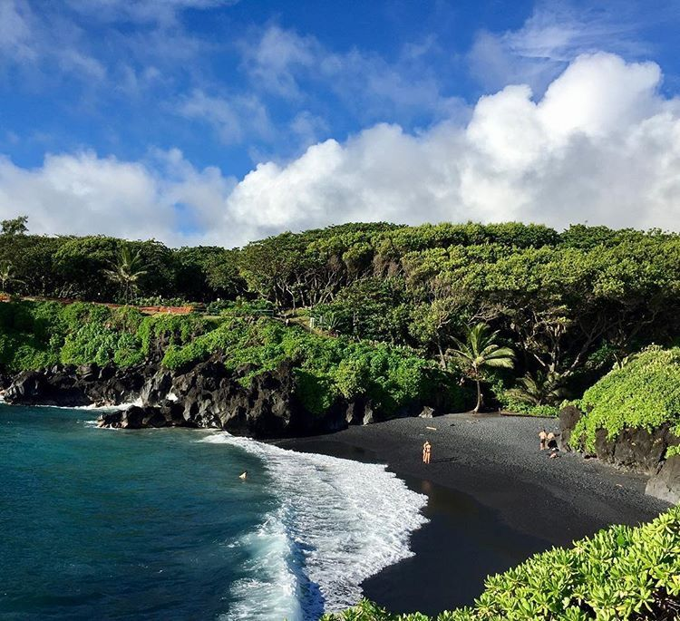 Big Island Beaches: Honokalani Black Sand Beach, Hawaii