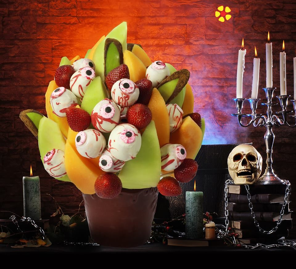 Help us name our new spooky Halloween strawberry eyeballs, for a chance to get one. Scare the eyeballs out of you're kids this Halloween! #spookybasketideas