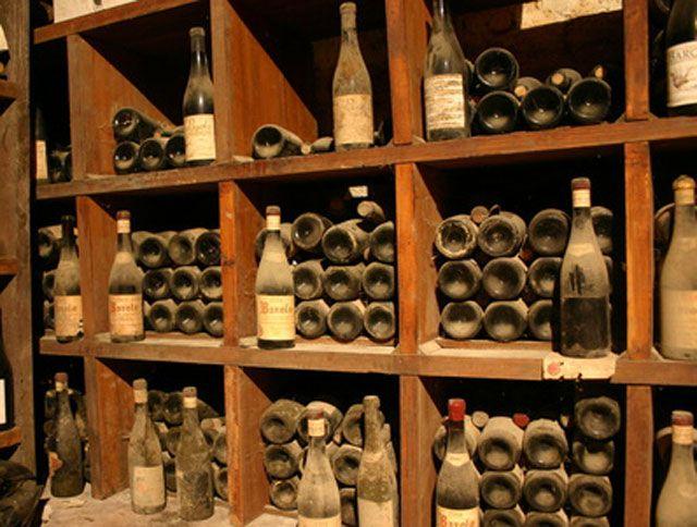 Cave A Vin | Shelves | Pinterest | Cave, Vin Et Amenagement Cave