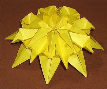 菊の折り方 1枚 要ハサミ 両面テープ おりがみ 花 つるし雛
