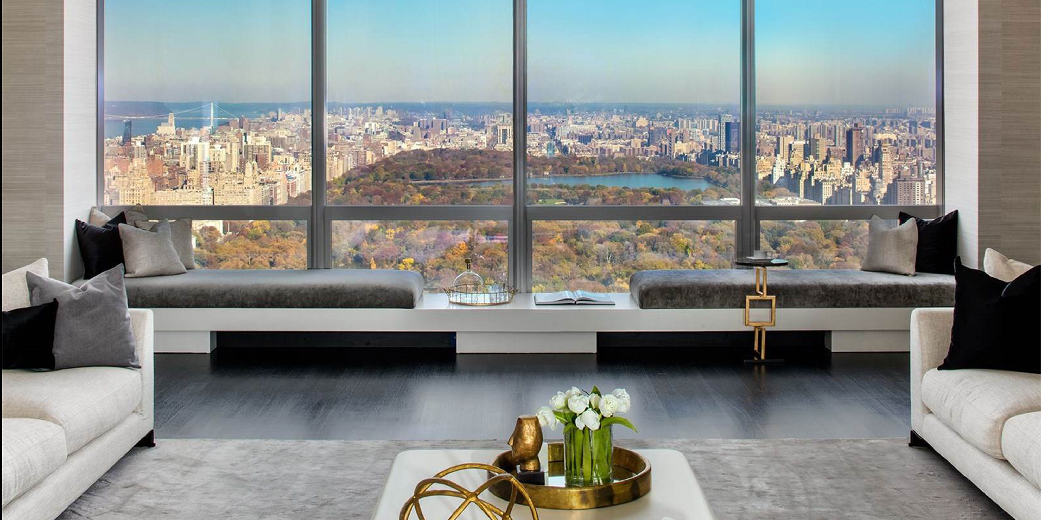 50 Chic Valentine S Day Gifts For The Women In Your Life Interior Design New York Luxury Homes Luxury Real Estate