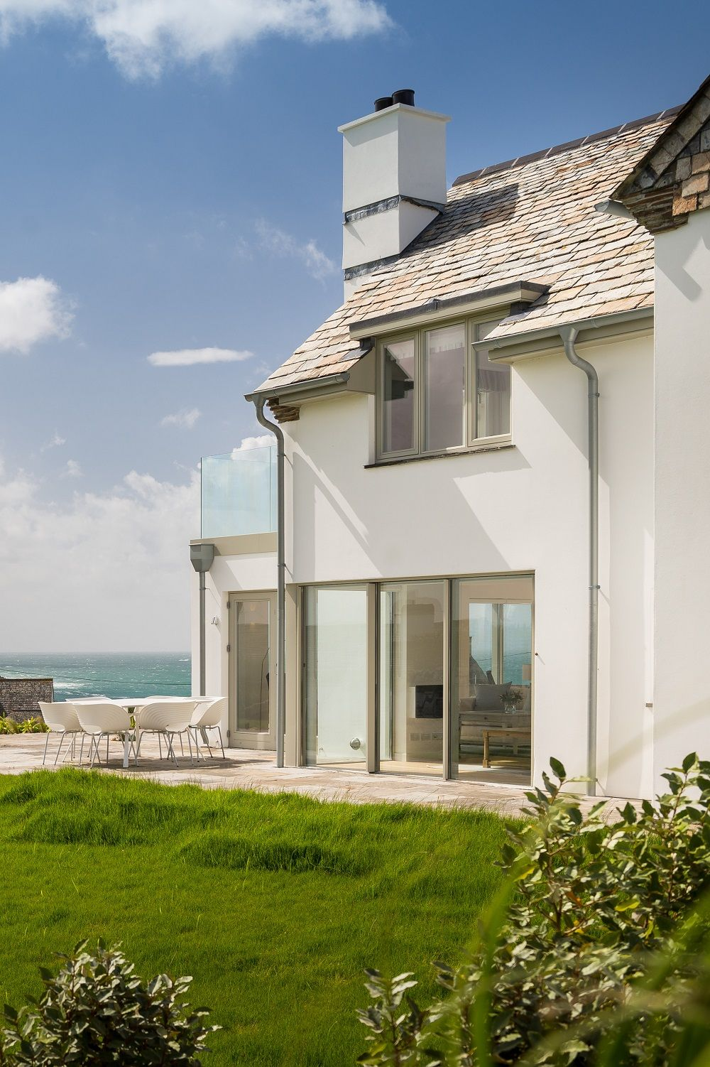 Sea Breezes Luxury Self Catering Daymer Bay Cornwall In 2020 Large Holiday Homes Sunken Patio Elegant Homes
