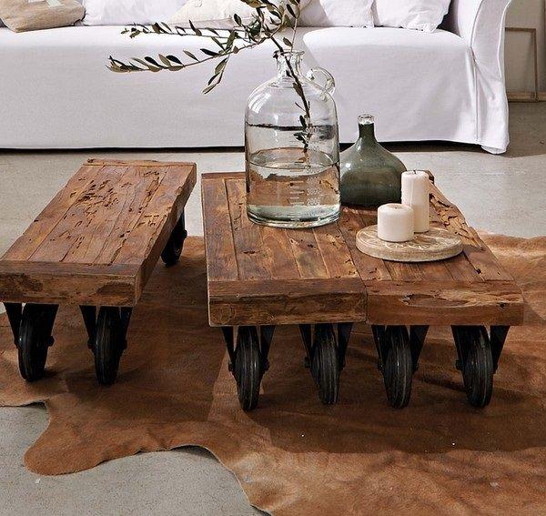 Tres mesas de centro fabricadas con gruesas y antiguas for Mesas de centro antiguas