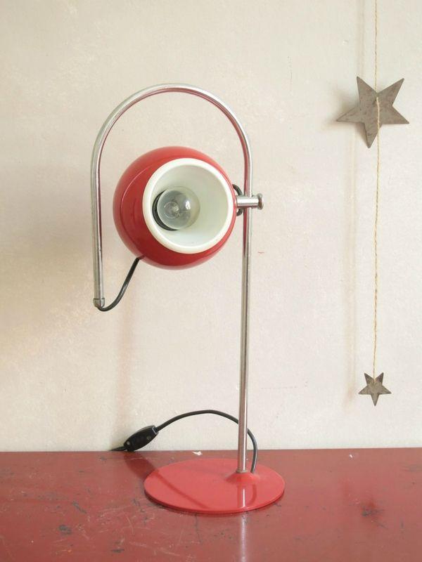 Mobilier Vintage Commodes Armoires Tables Buffets C Est Vintage Lampes Vintage Luminaire Vintage Buffet Retro