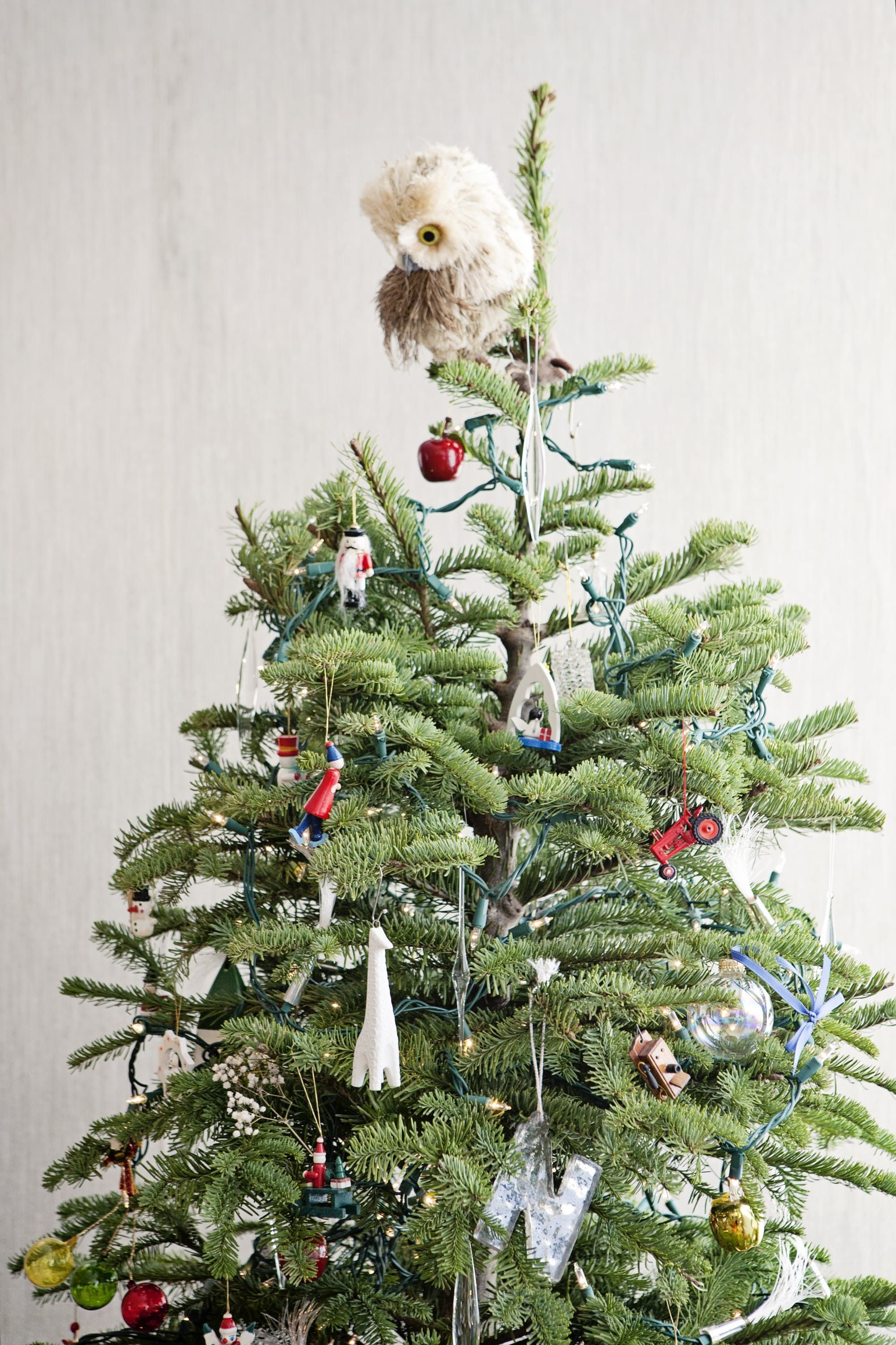 Incredibly Chic Modern Minimalist Christmas Trees Maximalist Ets Owl Treetopper