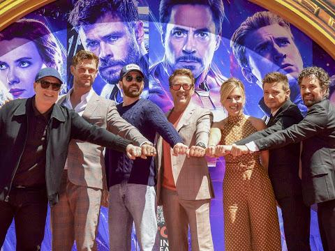 Les six Avengers originaux ont posé leurs empreintes devant le Chinese Theatre de Hollywood Bou ... Les six Avengers originaux ont posé leurs empreintes devant le Chinese Theatre de Hollywood Boulevard - © COPYRIGHT Fan Actu -