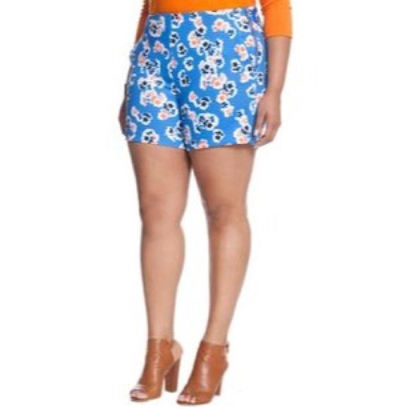 Eloquii Sadie Short in Blue Floral High waisted scuba short in light blue and coral floral print. Zips on left hip. In pristine condition. Eloquii Shorts