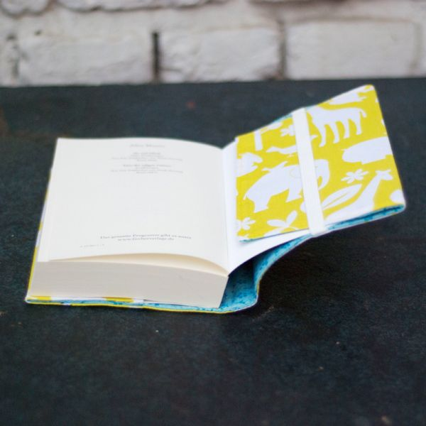 Photo of Sew-on book covers – or a hiding place for Mr. Gray