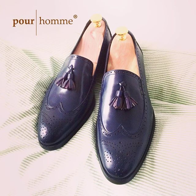 I'm lying alone With my head on the phone Thinking of you my #loafers... #CowHideSkin for Upper #2ndCow for inner #Lambskin for linings #RubberSole #130usd ---#pourhomme--- www.pourhomme.com.vn http://ift.tt/1fY1nvP http://ift.tt/1I5yhH7 http://www.twitter.com/pourhommevn http://ift.tt/1I5yhH9 27bis Tran Nhat Duat Tan Dinh D1 HCMC 84.909.352.905 (viber/line/isms)