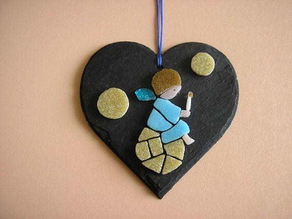 Angel micro mosaic on natural slate heart wall di Crazy4Mosaics