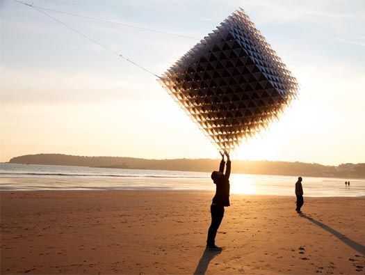 Amazing kite design & an amazing picture.