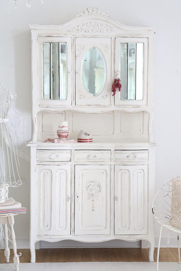 Vintage Kuchenbuffet Im Antiken Shabby Stil Perfect Interior For Vintage Lover Shabby Chic Kitchen Sideboard