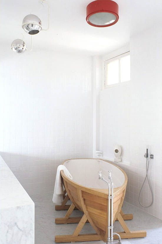 Gentil Boat Bathtub