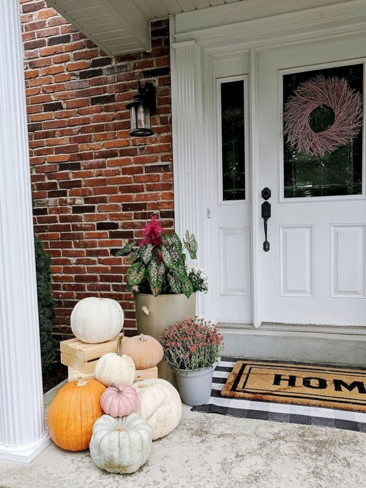 15+ Incredible Fall Front Porch Decoration Ideas You Need To Try #fallfrontporchdecor