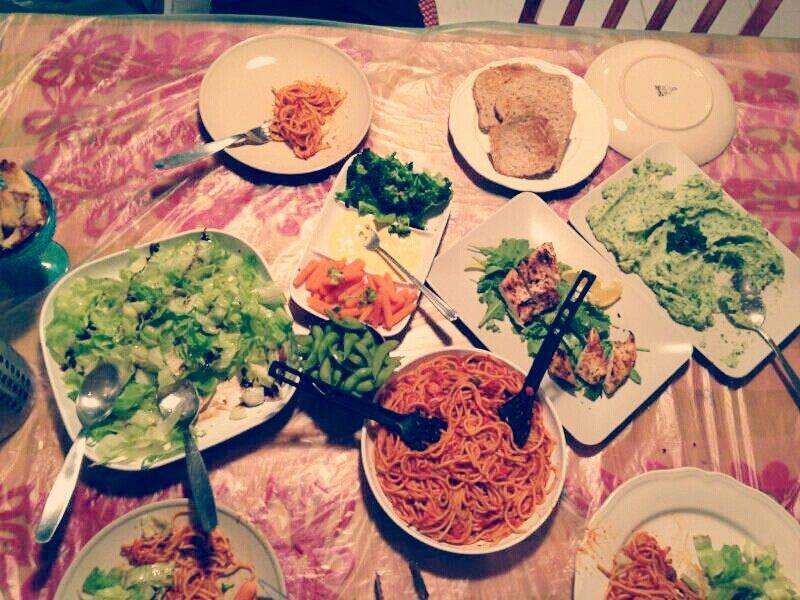 Easy Healthy dinner Tomato brown pasta Culiflower mash  Breast chicken salad Green salad Vegii apitizer