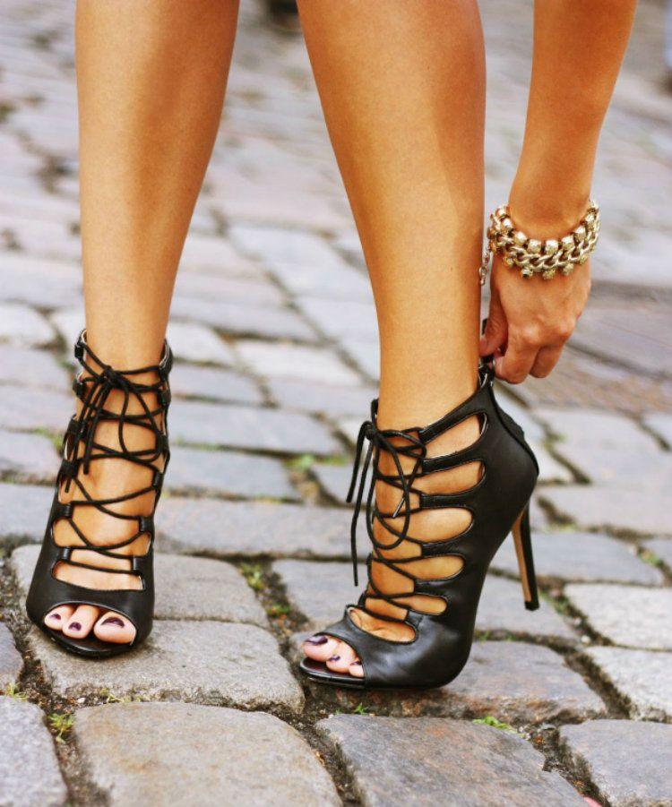 Oto Najlepsze Sandaly Na Obcasie Za Mniej Niz 200 Zl Black Lace Up Heels Lace Up Sandal Heels Lace Up Sandals